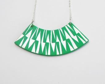 ZIG ZAG Necklace Jade