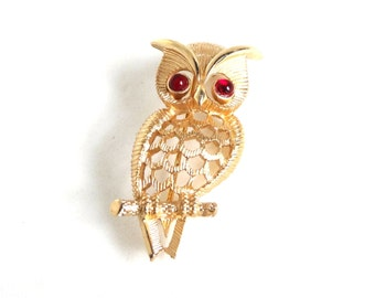 Vintage AVON Owl Pin Brooch Red Eyes Gold Figural Bird Jewelry Gift Idea