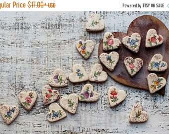 CHRISMAS IN JULY 23-25.7 Wedding favors heart magnets cottage chic guest favors shabby chic bridal shower summer flowers romantic garden