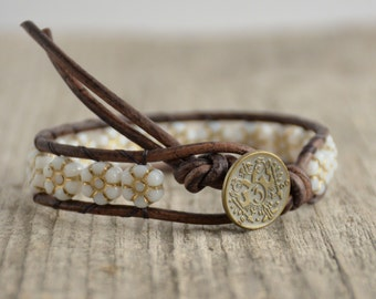 White, gold flower bracelet. Shabby chic jewelry. Flower bead single wrap bracelet