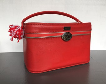 vintage red train case luggage Amelia Earhart retro suitcase