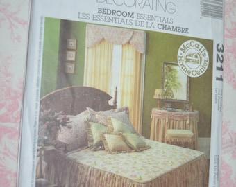 "McCalls 3211 Home Decorating ""Bedroom Essentials"" Sewing Pattern UNCUT"