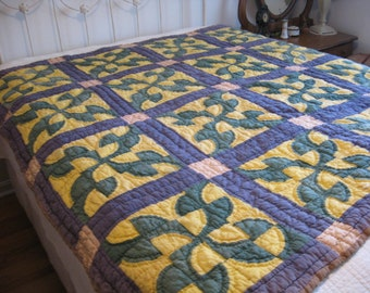 Feedsack Quilt, 1930's Fool's Puzzle, Hand Sewn & Hand Quilted Bed Cover, Drunkard's Path Pattern