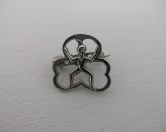 Small vintage brownies badge. Girl guide brownies metal pin