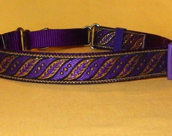 Purple and Gold Slanted leaves collar