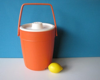 Mod Ice Bucket - Rubbermaid - Orange - Hard Plastic -Groovy - Retro Barware = Vintage 1970's