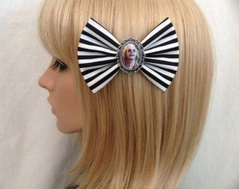 Beetlejuice hair bow clip rockabilly psychobilly pin up beetleguese Michael Keaton fabric Tim Burton black white striped 80s Winona Ryder