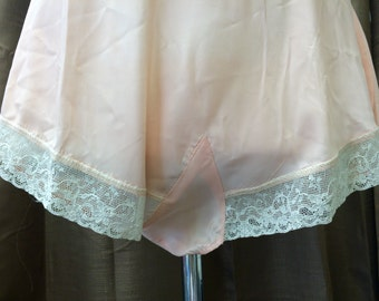 Vintage 1940's Blush Pink Tap Shorts Good Condition