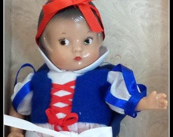 Vintage Effanbee Patsyette Doll Snow White