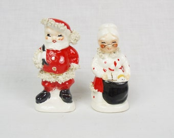 Napco Santa and Mrs. Claus salt and pepper Shakers spaghetti trim Christmas figurines vintage holiday decor novelty figural