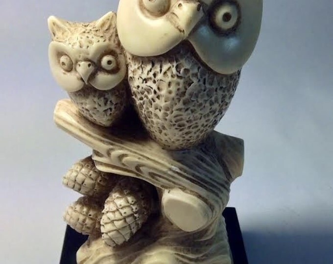 Wony Carved Owl Figurine, Owls on a Branch, Mother and Baby Bird Knick Knack, Christmas Gift Owl Lover Gift
