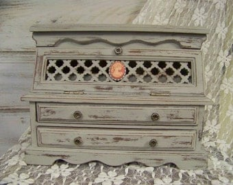 Distressed Jewelry Box, Shabby Chic Vintage Jewelry Box, Jewelry Organizer, Jewelry Holder, Shabby Chic Decor