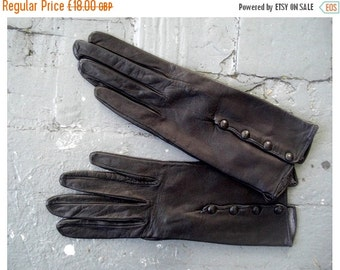 50% off SALE 1940s leather gloves / Bently gloves / Black button up gloves
