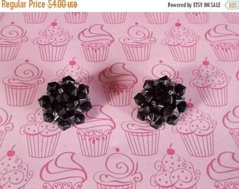 sale Vintage Black Glass Clip Earrings....232