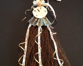 BEACH WEDDING BROOM