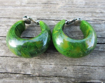 Green Swirel Bakelite Clip On Earrings Tested