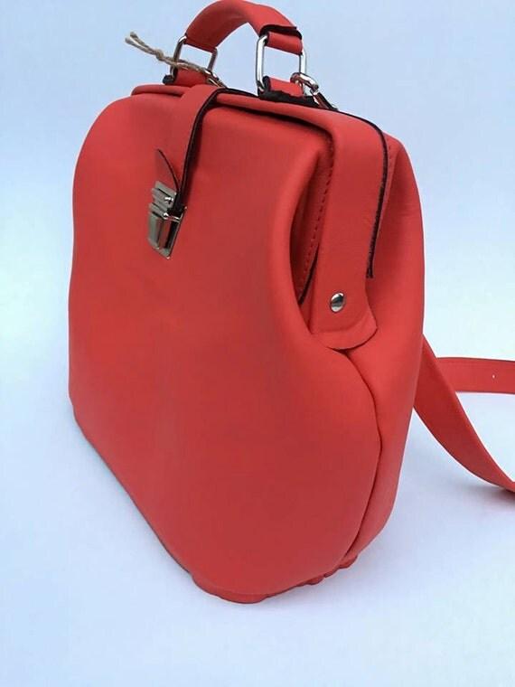 Retro style Red Bag, Retro Vintage Leather Bag, Vitage look leather bag, hand bag, metal framed leather bag, doctor bag, cocktail purse