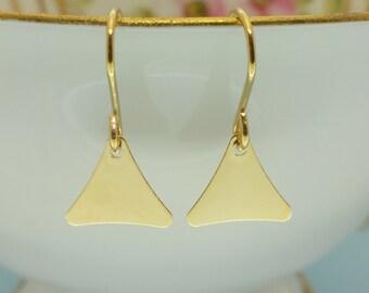 14k Gold filled Moroccan  earrings. Delicate and beautiful 14k gold filled earrings. Moroccan style earrings. Moorish earrings.