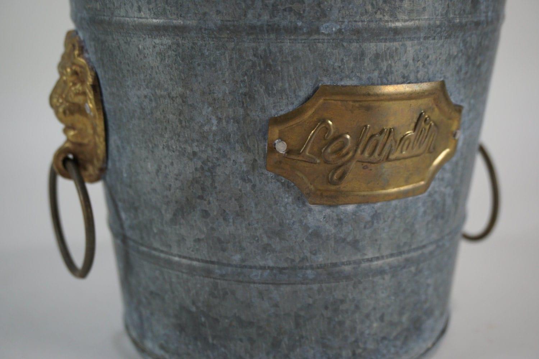 Galvanized bucket plant holder small metal bucket w lion for Galvanized metal buckets small