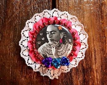 Frida-Kahlo-Decorative-Brooch / Frida Pinback Button / Friducha Badge Accessory