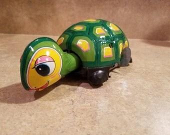 1960s Daiya Wind Up - Roll Over Tin Turtle