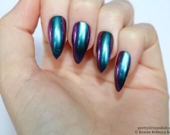 Chrome nails, Chrome stiletto nails, Fake nail, Stiletto nail, Kylie jenner, Black stiletto nail, Press on nail, Acrylic nail, Fake nails