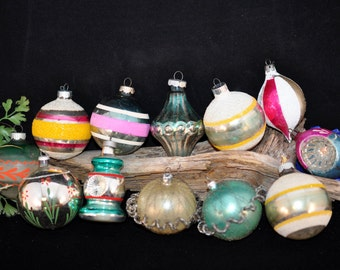 Nice Variety 12 Ornaments, Christmas Decorations, Wire, Indents, stripes, Over 100 ornaments in our shop, #45