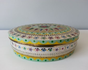 Vintage Baret-Ware Embossed Biscuit/Storage Tin Baret-Ware Art Grace Container B. W. Co. Made in England  Item No. 229