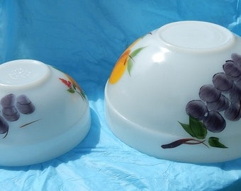 1950's Fire King Gay Fad Set of 2 Mixing Bowls