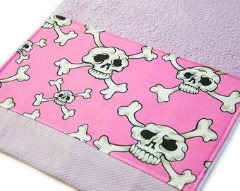 Lilac and Hot Pink Skulls Bath Towel 40 cm x 60 cm