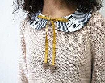 Peter pan collar,  peter pan collar necklace, detachable peter pan collar, peter pan collar with notes
