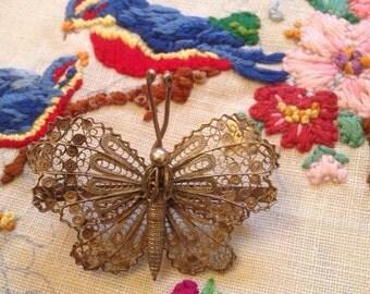 Pretty Silver Filigree Butterfly Brooch