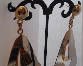 Nice big gold tone 80.s earrings