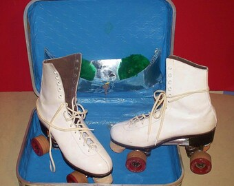 "Vintage Roller Skates ~ White ~ Size ""6"" w/ Case & Pom Poms ~ L@@K"