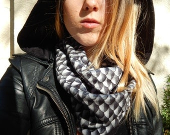 Scalemaille infinity scarf Gunmetal, fall, metal, motorcycle, biker, goth, punk, cyber, festival, LARP, reenactment, SCA, medieval, knight