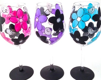 Hand Painted Daisy Wine Glasses - Perfect for Every Day