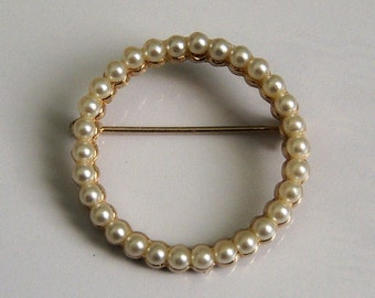 Faux Pearl Circle Brooch. Circle Pin.