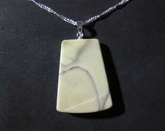 Healite pendant on 18 inch necklace - HP10