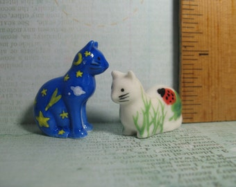 Happy Art CATS Kittens kitty cat kitten - set of 2 - French Feve Feves Figurine Tiny Miniature W113