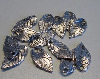 D-02103 - 10 Pendant leaf silver color 16x8mm