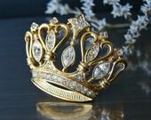 Gold Crown brooch. KJL for AVON Rhinestone brooch. Signed vintage brooch.