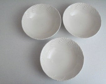 Mikasa Ocean Jewel White Set Of Three Soup Or Cereal Bowls