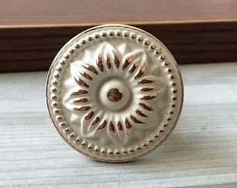Shabby Chic Knobs Dresser Knob Creamy White Gold Kitchen Cabinet Knobs / Drawer Knobs Pulls Handles Door Knob Pull Handle Hardware Rustic