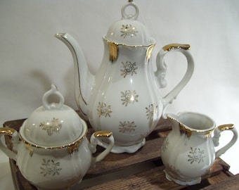 3 Piece Royal Crown Teapot, Sugar and Creamer Set, 33/926 White with Gold Roses