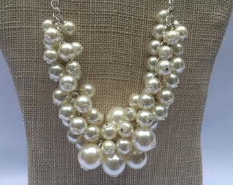 Kristi-Cream pearl necklace Pearl cluster necklace Cluster necklace Cream silver Necklace Cream Bridal necklace Cream Glass Pearl Necklace