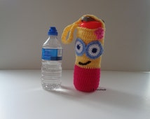 Water Bottle Bag, Water Bottle Holder, Water bottle carrier, Cozy, Drink Bottle Tote / holder, School Water Bottle Bag, Minions girl