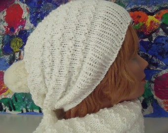 plain white ladies hat with garter and donspompon