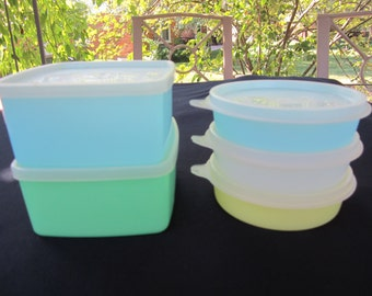 5 Vintage Tupperware Storage Containers 3 Little Wonders Bowls & 2 Square