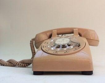 Vintage 1979 ITT Continental Landline Rotary Telephone in Beige