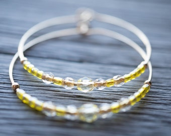 morning / pale yellow and gold hoop earrings